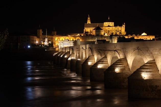 cordoba_spain_bridge_roman_andalusia_water_reflection_cordoba_spain-571282.jpg!d